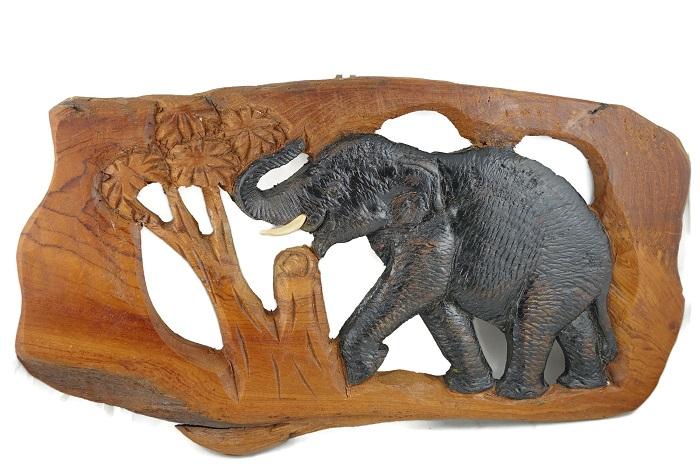 Слон - дърворезба